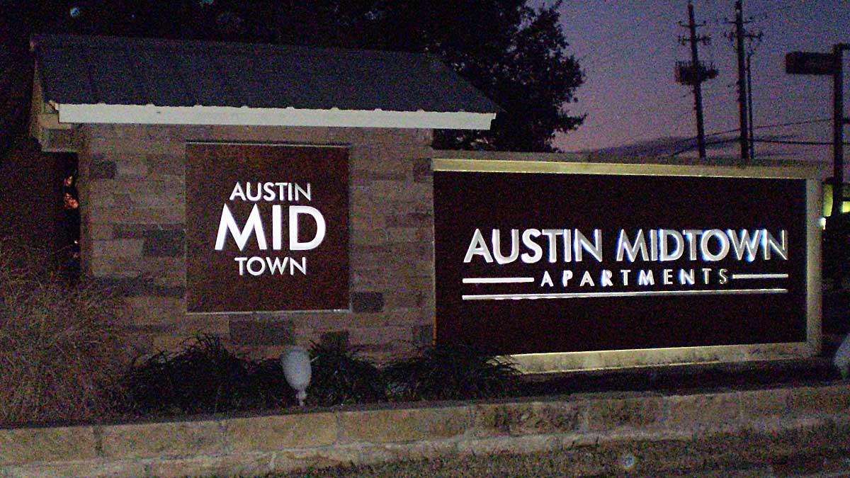 Apartment Sign Austin Midtown Night Austin