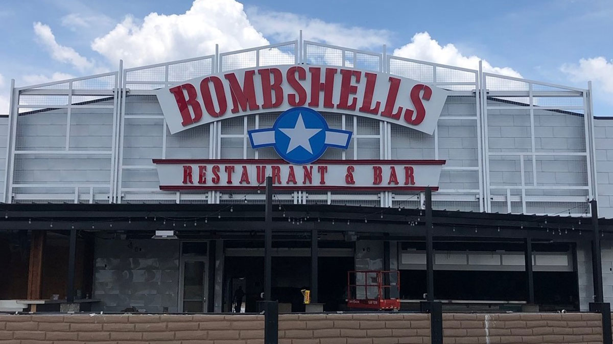 Bombshells Restaurant & Bar channel Letters Sign In Houston, Texas