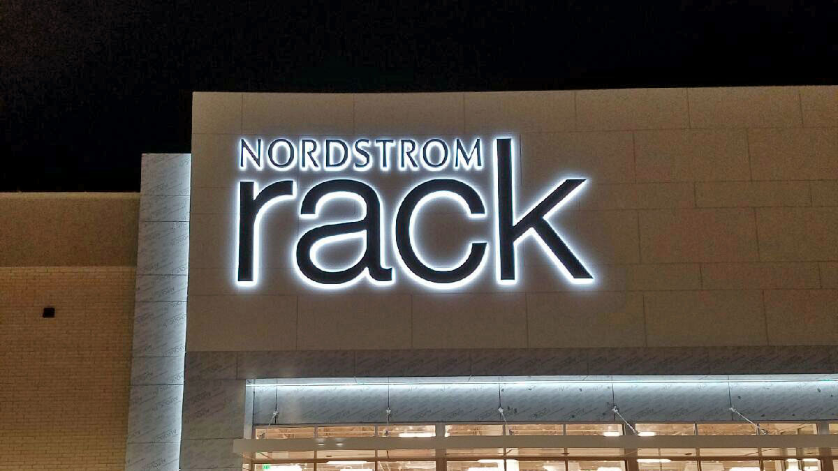 Nordstrom Rack sign installation in Cedar Park, Texas