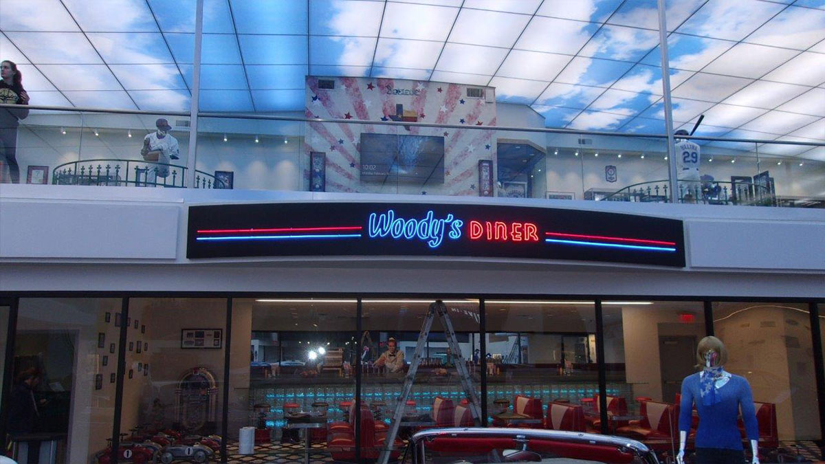 Woody's Museum Diner Sign